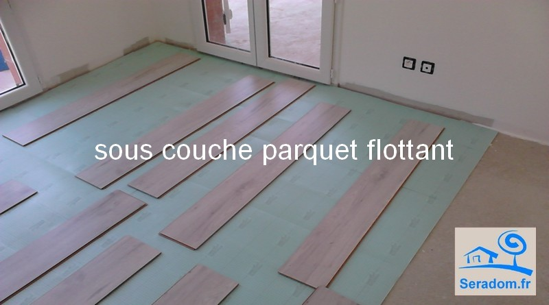 poseur de parquet flottant plinthes pose parquet flottant et parquet stratifi. Black Bedroom Furniture Sets. Home Design Ideas
